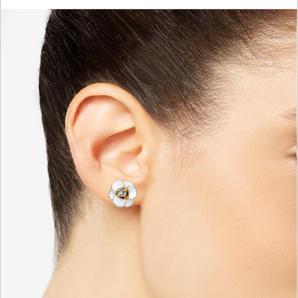 b4ef61e598b61e Kate Spade New York 14k gold flower stud earrings.  M_5b27f2252e1478d12ba223e3